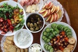 Здоровая посуда на столе