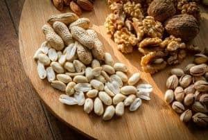 Орехи на доске