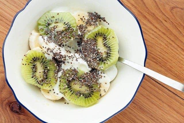 Салат с семенами киви и chia