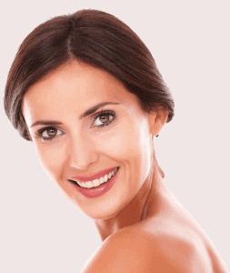 улыбающаяся женщина