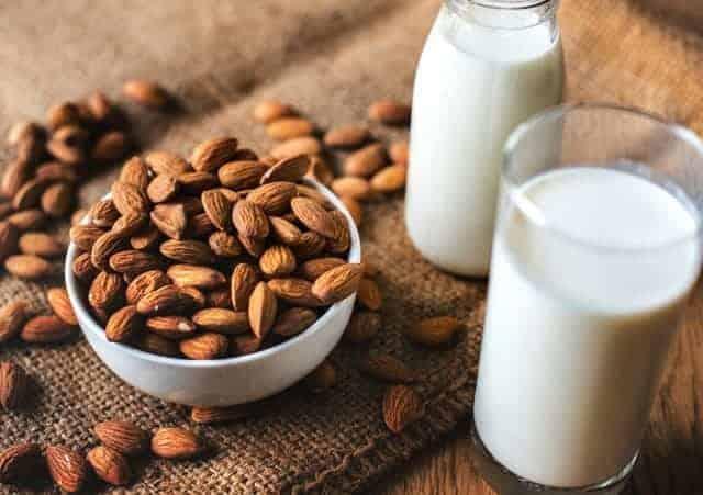 Миндаль с молоком