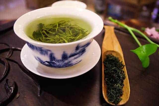 чашка зелёного чая